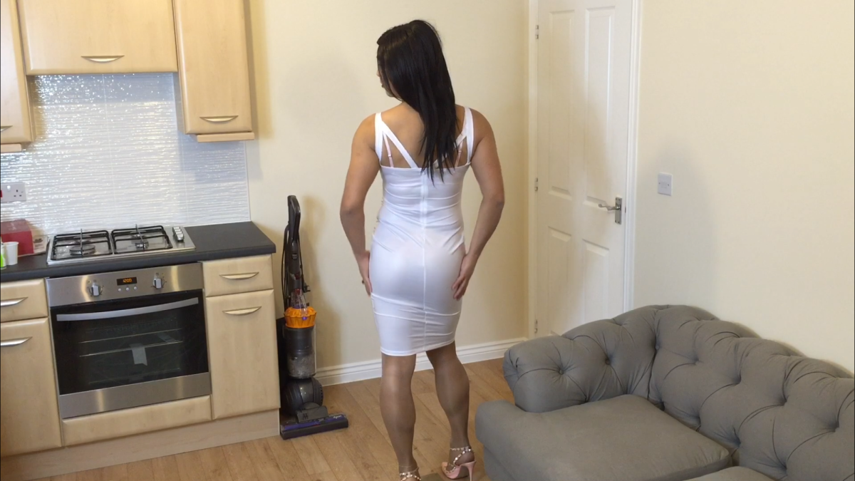 Sexy housewife 2